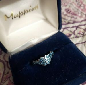 Small Silver swirly blue and silver Ring